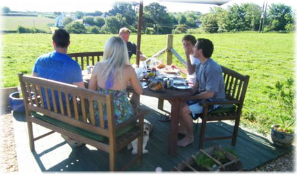 Alfresco breakfasts in the back garden of Cozyknights B&B